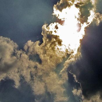 2014-április-felhős