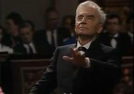 Herbert Von Karajan vezényel 3
