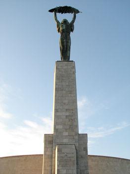 Kisfaludi Strobl Zsigmond - Szabadság szobor