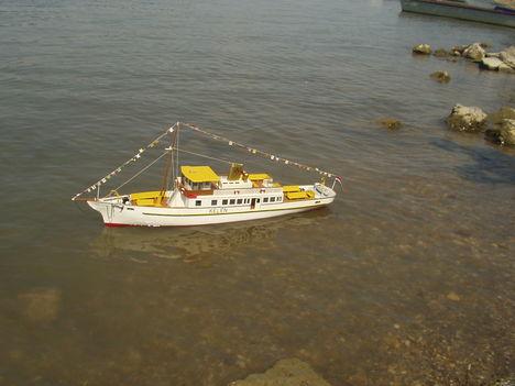 KELÉN Balatoni személyhajó .