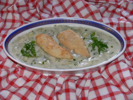 Karalábé főzelék-sült csirkemell