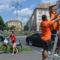 Hajtva tilos, tolva szabályos - A háttérben egy szabályos kerékpáros (fotó Karnok Csaba)