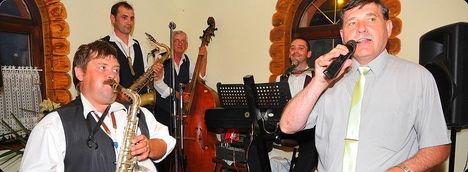 Nóta énekes is voltam az esküvőn