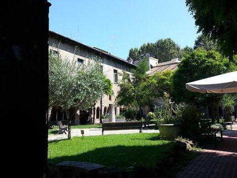 San Cosimato Trastevere kerengő1