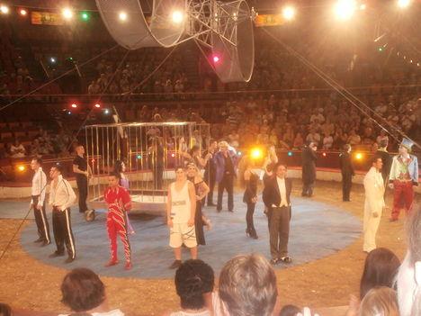 Cirkusz classius előadását láttuk. 5