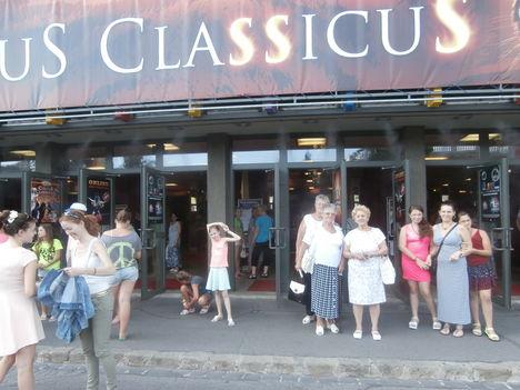 Cirkusz classius előadását láttuk 90 en. 2
