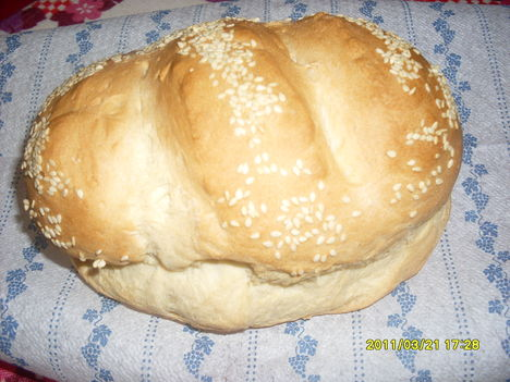 Szezámmagos fehér kenyér