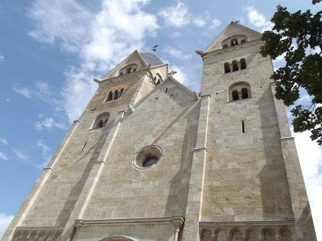 A felújított templom Lébényben-09