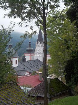 Mariazell-i bazilika a Kálvária dombról