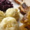 Sult pulykamell -lilakáposztával, krumpli gomboccal, barna mártással