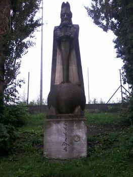 Atilla-hun királyunk szobra Sopronban (József Attila lakótelep) 2