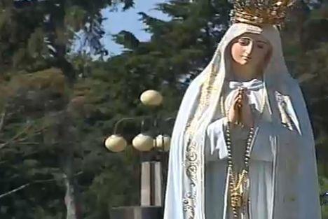 1917. október 13.: A Szűzanya hatodik megjelenése Cova da Iriában