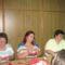A szülői mk tagjai az adventi vásárra varrnak