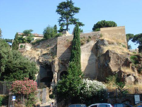 Tarpei szikla