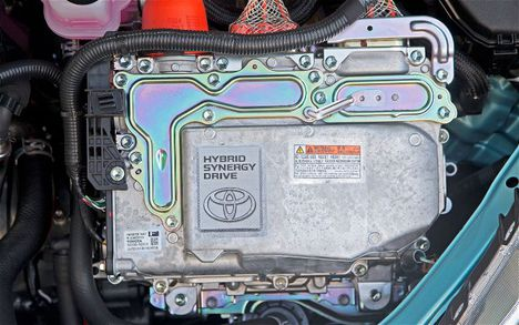 2012-Toyota-Prius-C-hybrid-synergy-drive