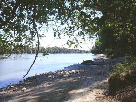 Leányfalu part nyáron