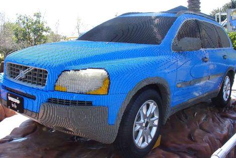 életnagyságu LEGO Volvo