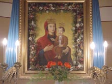 CSIKLÓBÁNYA Csodatévõ Mária a Kisjézussal