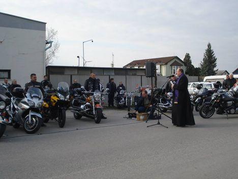 Tavaszi motorszentelésen vettünk részt.
