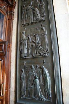 Basilica S. Pietro _Door of the Sacraments