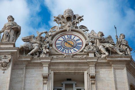 Basilica S. Pietro two clocks