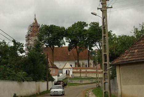Csikménaság templom