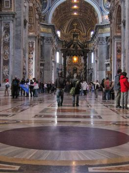 Szent Péter bazilika vörös porfírkorongja2