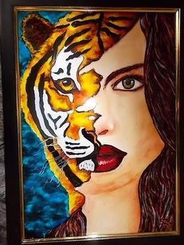 tigris-lány