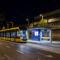 Ma éjjel is tekergett a 2202-es Cafka - Az 1-es új végállomásán (fotó Vörös Attila. iho.hu - 2015)