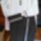 Egy mai öltözet vertcsipkével: szoknya, blúz, táska nyakék
