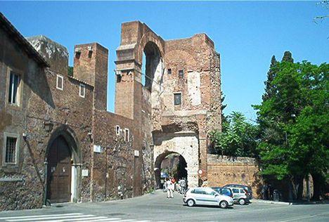 Arco di Dolabella 2