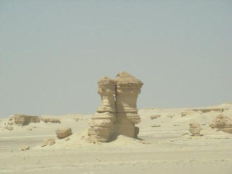 ókori kövek a Szaharában