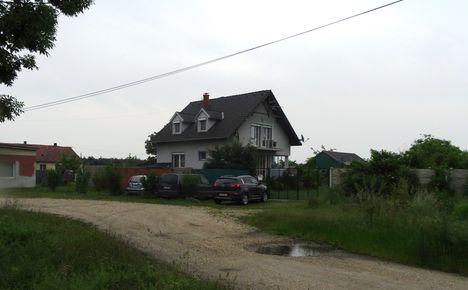 Márialiget 2015. május 25.-én, szép új ház épült