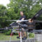 Vígh Viktor fejlesztőmérnök a Flike drónmotor prototípusával Miskolcon 2015. június 8-án