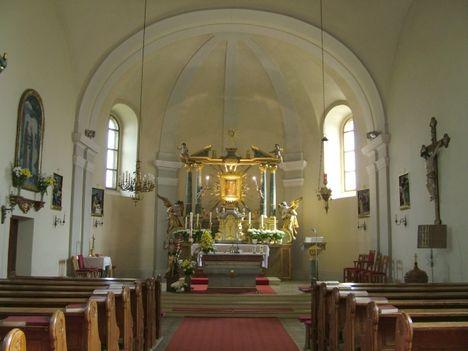 BADAFALVA templom oltár