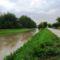Lajta folyó egy kisebb árhullámnál, 2015. május 25.-én, Malom-csatorna alsó torkolata felett