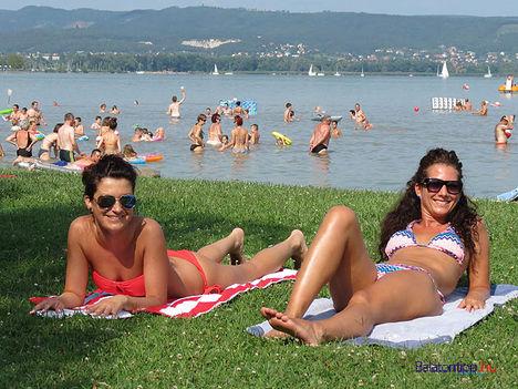 1408-lanyok-Keszthely-Helikon-strand-balatontipp-gyorffya
