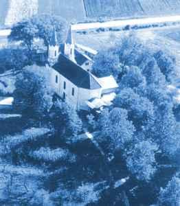 DOROSZLÓ templom falu kép