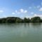 Kisbodaki Duna part, a Duna folyam főmeder sodorvonalából nézve, 2015. augusztus 04.-én