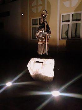 Mártonffy György Püspök emlékszobra 20150815