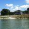 Duna folyam bal part ,1820,2 fkm-ben a Bősi kompkikötő épülete a folyamról nézve, 2015. augusztus 04.-én