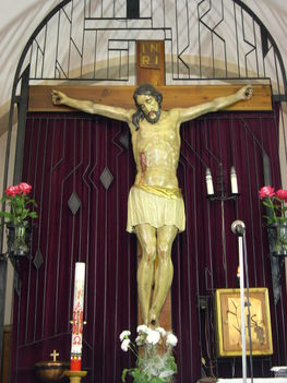 GÍMES Jézus a  feszületen
