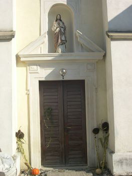 LÓK templom bejárat