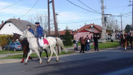 Csingis lovak felvonulása a Halászi Szent Márton búcsú napján, 2015. november 08.-án 2