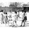 """Az akkori negyedikesek """"álló"""" körtáncot járnak a iskola udvarán az óraközi szünetben."""