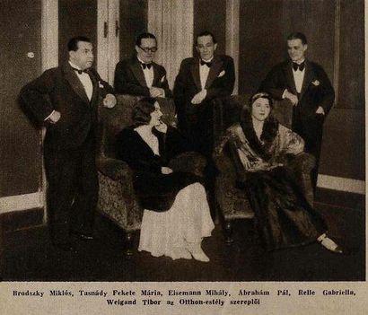 Brodszky Miklós Eisemann Mihály Ábrahám Pál Weygand Tibor az 1931-es szépségkirálynővel