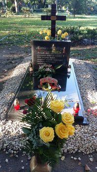 Kovács Apollónia síremléke