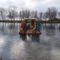 Lipót, Betlehem a mentett oldali vízpótlórendszer részeként üzemelő Kengyátó-tó jegén, 2016. január 16.-án  2
