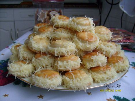 Borzas - sajtos pogácsa