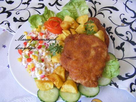 Rántott hús kápiás kukoricás salátával